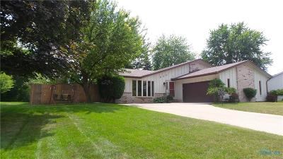 Maumee Single Family Home Contingent: 520 Fairfield Park Drive