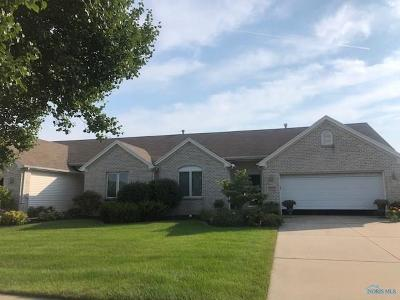 Maumee Condo/Townhouse For Sale: 4239 E Waterbend Drive