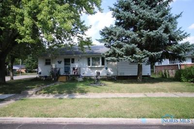 Maumee OH Single Family Home For Sale: $124,675