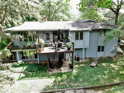 Toledo Single Family Home For Sale: 1558 Park Forest Drive