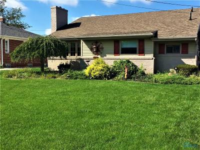Rossford Single Family Home For Sale: 103 Cherry Lane