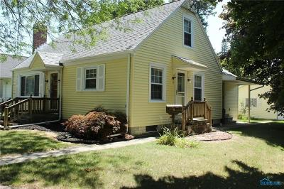 Single Family Home For Sale: 425 W Smith Street