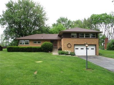 Springfield Single Family Home Contingency/Show: 166 Meadow Lane