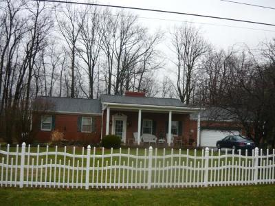 Belle Center OH Single Family Home For Sale: $199,000
