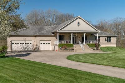 Fairborn Single Family Home For Sale: 1641 Graceland