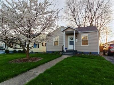Urbana Single Family Home For Sale: 716 N Russell Street