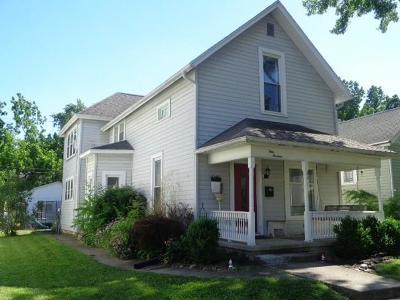 Urbana Single Family Home For Sale: 413 E Church Street