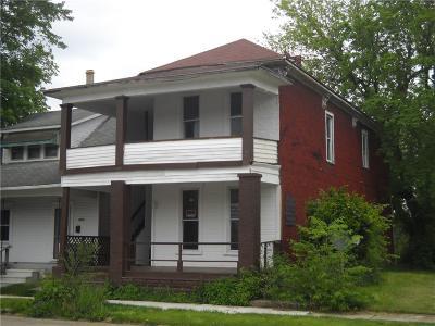 Springfield Multi Family Home For Sale: 704 S Center Street
