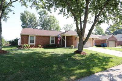 Huber Heights Single Family Home Contingency/Show: 8908 Emeraldgate Drive