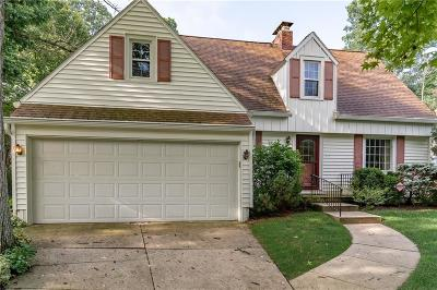 Springfield Single Family Home Contingency/Show: 617 S Tanglewood Drive