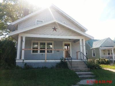 Springfield Single Family Home For Sale: 15 W Roseland Avenue