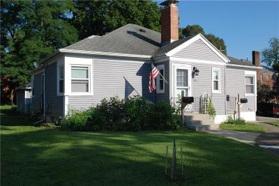 Springfield Multi Family Home For Sale: 1102 Woodlawn Avenue