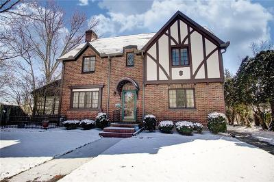 Springfield Single Family Home For Sale: 9 S Broadmoor