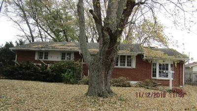 Fairborn Single Family Home For Sale: 1833 Bordeaux