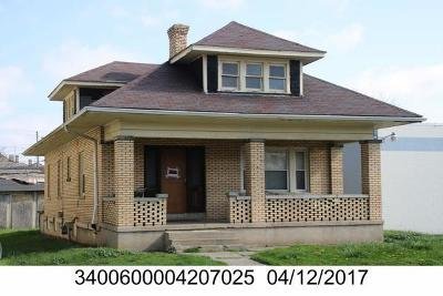 Springfield Multi Family Home For Sale: 512 W High