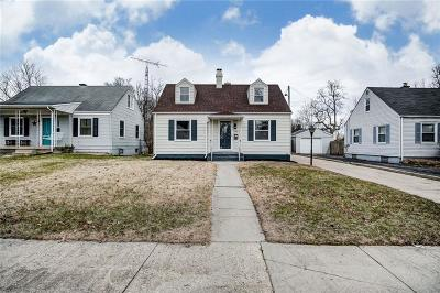Springfield Single Family Home Contingency/Show: 1806 N Sweetbriar