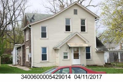 Springfield Multi Family Home For Sale: 23 N Shaffer