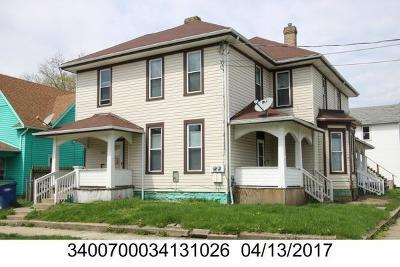 Springfield Multi Family Home For Sale: 304 W Clark