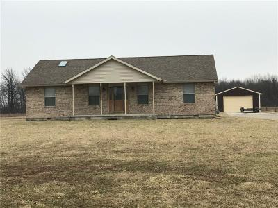 Springfield Single Family Home For Sale: 2934 S Tecumseh Road