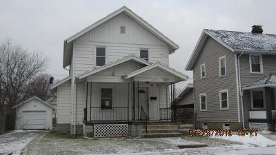 Springfield Single Family Home For Sale: 215 Bellevue