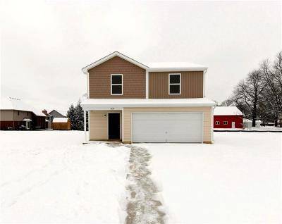 Springfield Single Family Home For Sale: 267 Hampton Trail