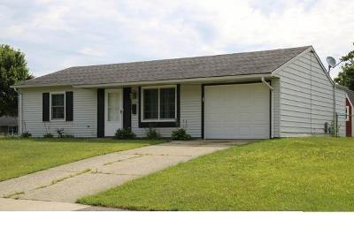 Single Family Home Contingency/Show: 3152 Vineyard Street