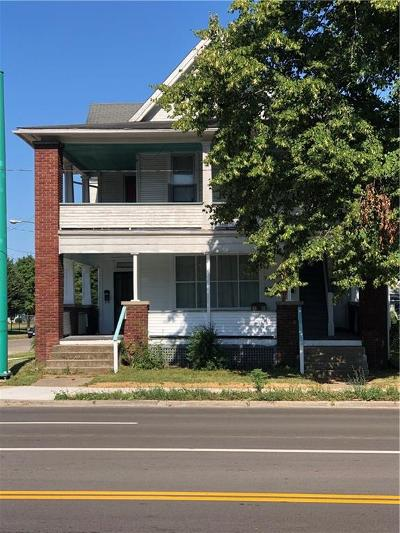 Springfield Multi Family Home For Sale: 902 S Limestone Street