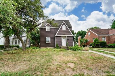 Fairborn Single Family Home For Sale: 22 W Whittier Avenue