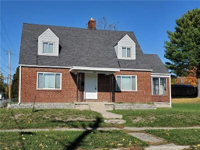 Springfield Single Family Home For Sale: 402 E Third Street