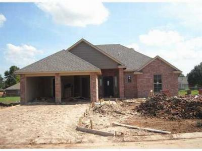 Single Family Home Sold New Construction: 200 Chisholm