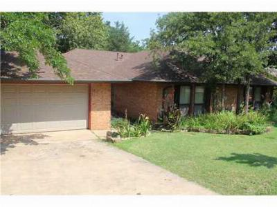 Edmond OK Single Family Home Sold: $186,000 UNDER CONTRACT