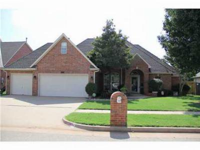 Edmond OK Single Family Home Sold: $321,200 $100/foot!