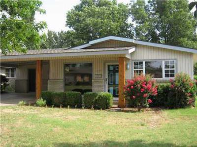 Single Family Home Sold: 2709 Ridgeview Dr