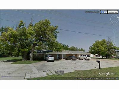 Moore Commercial For Sale: 9301 I-35 Service Road