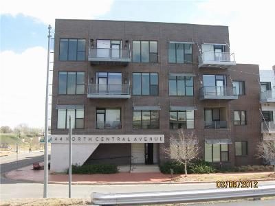 Condo/Townhouse Sold: 444 N Central #208