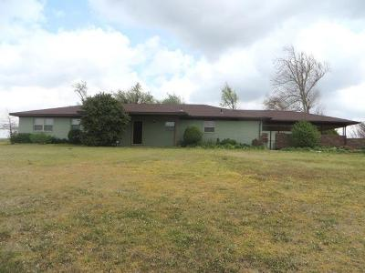 Chickasha Single Family Home For Sale: 2483 State Hwy 92