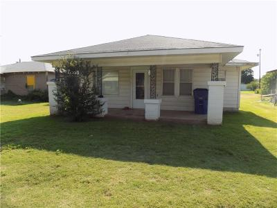 Fort Cobb Single Family Home For Sale: 120 N. 5th St