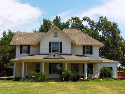 Anadarko Single Family Home For Sale: 1037 SE 7th Street