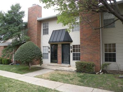 Oklahoma City Condo/Townhouse For Sale: 3200 W Britton #37