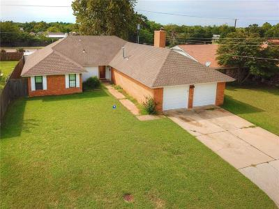 Oklahoma City Single Family Home For Sale: 8705 N Macarthur Terrace