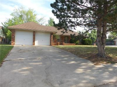 Single Family Home Sale Pending: 913 Royal Lane