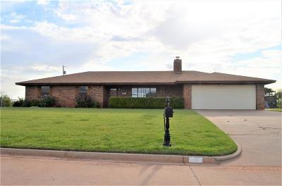 Cordell Single Family Home For Sale: 130 W Quail