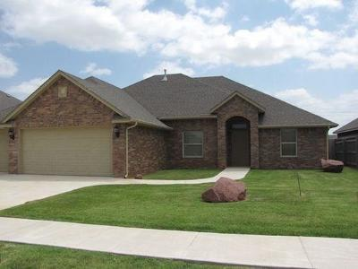 Oklahoma City Single Family Home For Sale: 5904 Sanderling