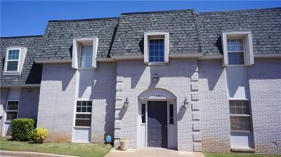Oklahoma City Multi Family Home For Sale: 11433 N May Avenue #D