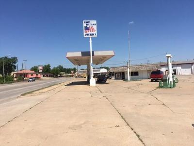 Chickasha Commercial For Sale: 1501 S 4th