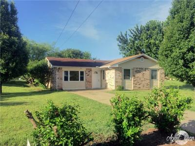 Stroud Single Family Home For Sale: 622 W 10th Street