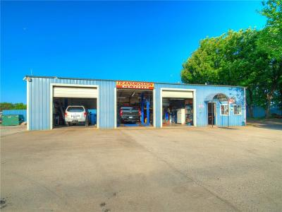 Norman Commercial For Sale: 2880 Classen