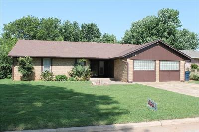 Purcell Single Family Home For Sale: 1727 Briarwood Drive