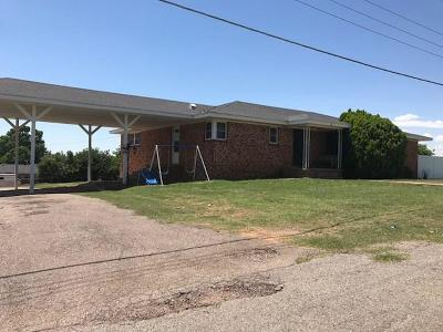 Mangum OK Single Family Home For Sale: $133,500