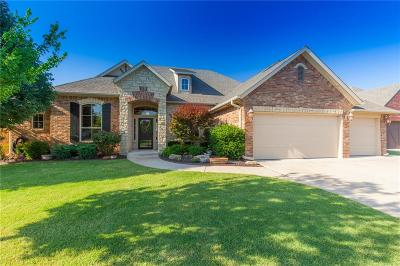 Moore Single Family Home For Sale: 1204 Red Plum